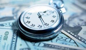 на какой срок заключается срочный трудовой договор?