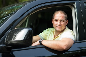 Водитель легковушки должен четко знать ПДД